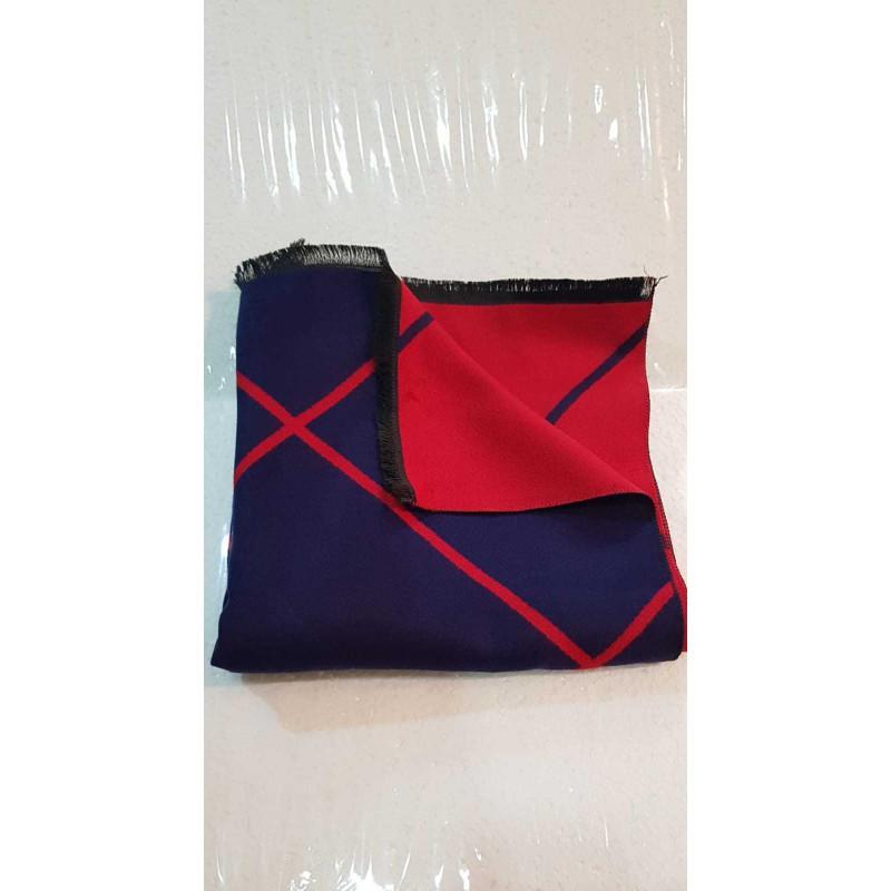 Chal Reversible en Azul Marino y Rojo